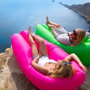 ritaglio foto AirBed è la nuova moda dell'estate